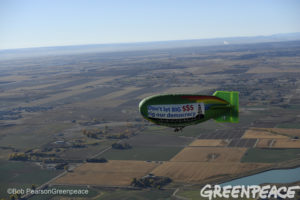 The Greenpeace Thermal Airship A.E. Bates takes to the skies over Colorado on October 20, 2016 urging Coloradans to Vote No Initiative 71, or Raise the Bar, which would place a cumbersome burden on citizens wishing to participate in the ballot initiative process. Raise the bar is largely funded and promoted by the oil and gas industry. Photo by Bob Pearson/Greenpeace